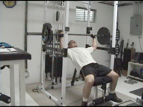 Bench Press Flat Free Weight Or Inclined Machine Fitness